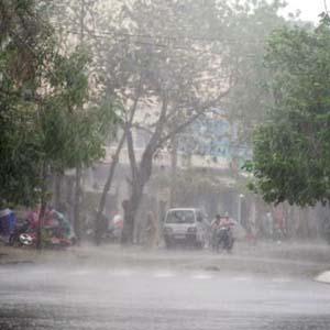 Không khí lạnh tăng cường gây mưa rét ở miền Bắc