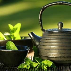 Uống trà giúp tăng cường trí não và giảm mệt mỏi