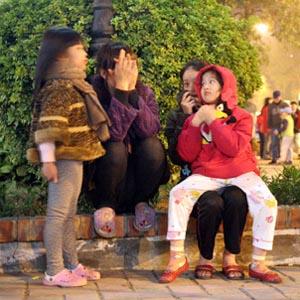 Hà Nội rung chuyển vì dư chấn động đất