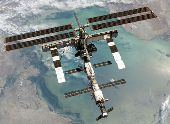 ISS tăng quỹ đạo để đón tàu tiếp tế