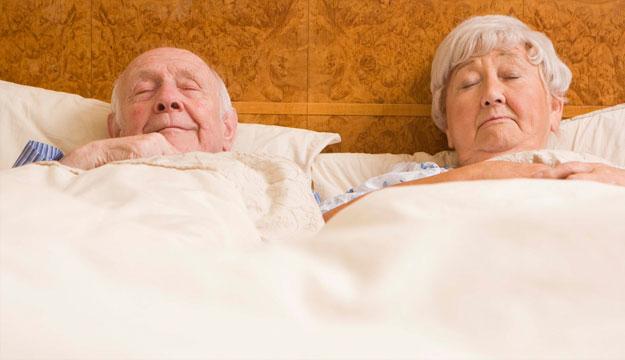 Tuổi cao có lợi cho giấc ngủ