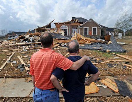 Video: Lốc xoáy tại Indiana