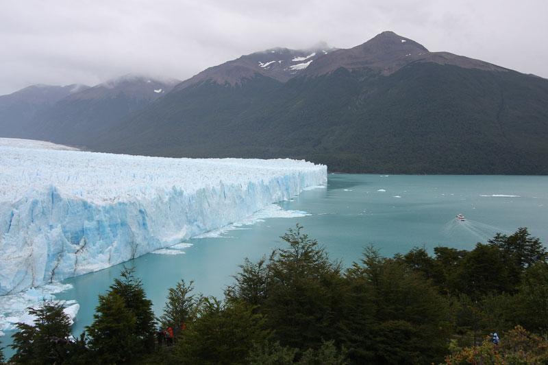 Argentina chứng kiến vụ lở băng lớn chưa từng thấy