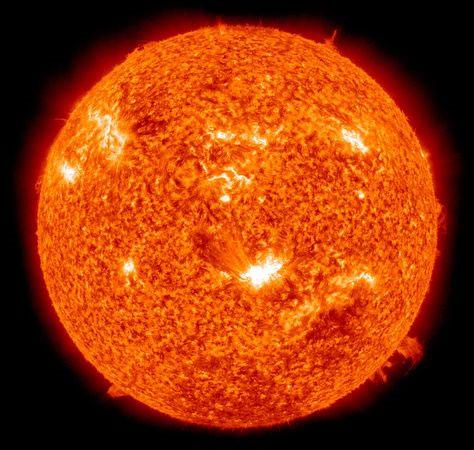 Tạo ra hệ thống cảnh báo bão mặt trời