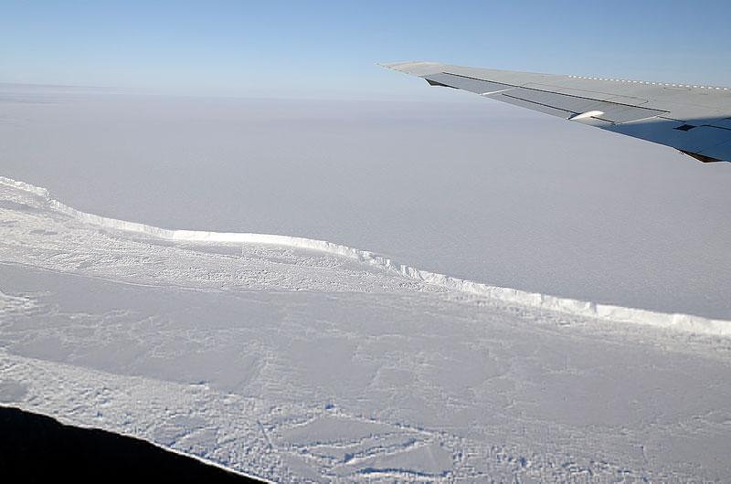 """Khách du lịch """"đe dọa"""" Nam Cực"""