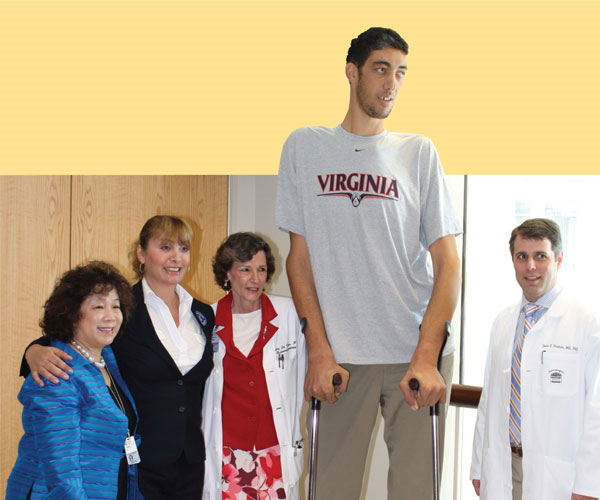 Người đàn ông cao nhất thế giới đã ngừng... lớn