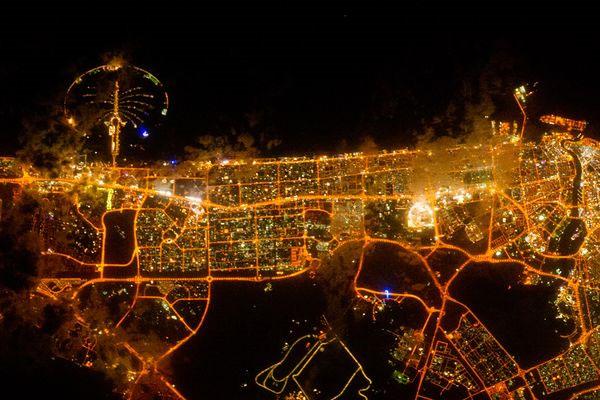 Hình ảnh thành phố Dubai chụp từ trạm vũ trụ Quốc tế