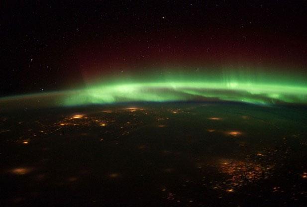Video: Ngắm cực quang từ ISS