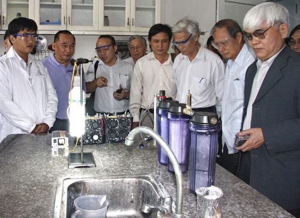 Máy phát điện của TS Khê và chất xúc tác Nano