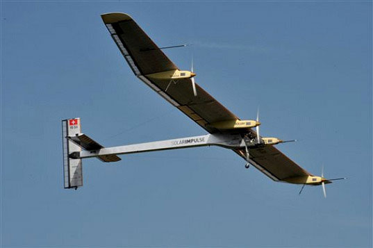 Chuyến đi dài nhất của máy bay năng lượng Mặt Trời