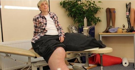 Người phụ nữ có chân to nhất thế giới