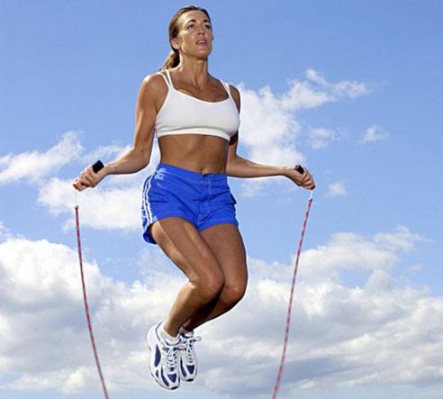 Nhảy dây là cách rất tốt để giảm cân.