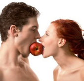 Đàn ông cao hơn vợ giúp hôn nhân hạnh phúc hơn