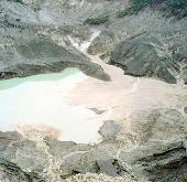 Indonesia: Người dân phải sơ tán vì núi lửa hoạt động