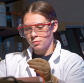 Thi viết về phụ nữ trong khoa học