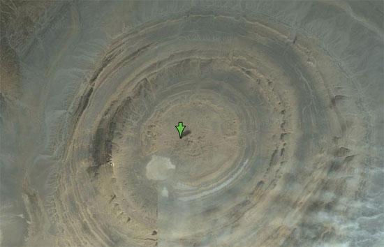 Cấu trúc bí ẩn trên sa mạc Sahara