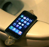 Số người sử dụng nhà vệ sinh ít hơn người sử dụng điện thoại!