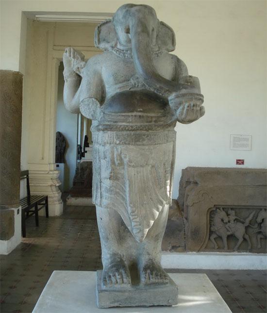 Tượng thần Ganesa tại bảo tàng Chăm Đà Nẵng.