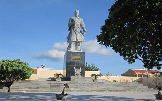 Cùng với bàng vuông, cây phong ba được coi là một hình ảnh mang tính biểu tượng trên quần đảo Trường Sa của Việt Nam.