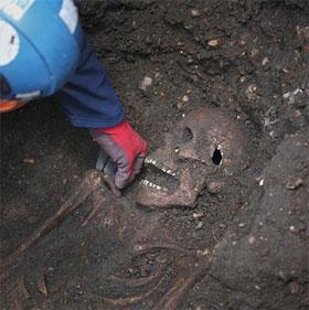 Phát hiện hố chôn tập thể từ thế kỷ XV tại London