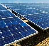Robot làm sạch pin mặt trời đầu tiên ra đời