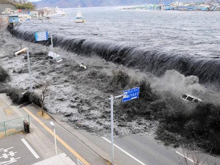 Ảnh độc về sóng thần kinh hoàng ở Nhật
