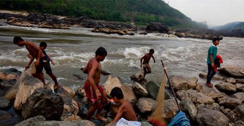Việt Nam lo nhiễm mặn vì thủy điện Lào