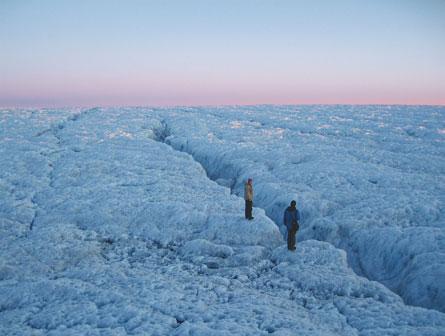 Nghiên cứu về biến đổi khí hậu trên các sông băng đang tan chảy