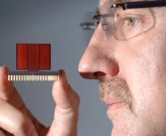 Mũi điện tử phát hiện bệnh ung thư qua hơi thở