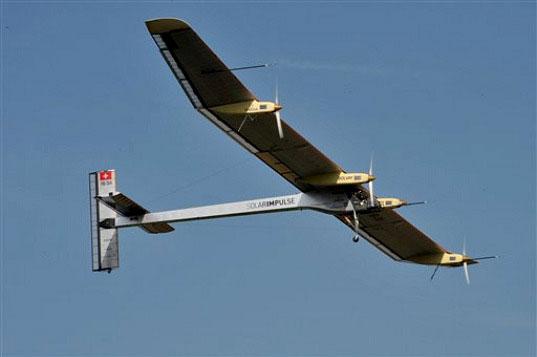 Máy bay năng lượng mặt trời sẵn sàng cất cánh