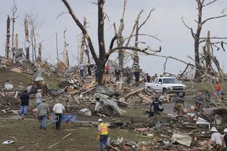 Clip: Bão lốc kinh hoàng tại thành phố Cullman, Alabama