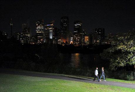 Cảnh tượng tại thành phố Sydney, Australia sau khi đèn điện trong nhiều tòa nhà phụt tắt.