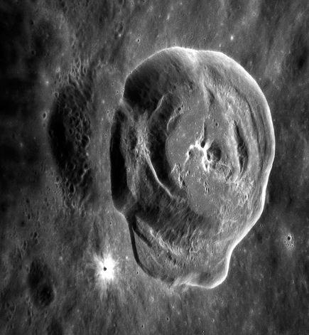 Miệng núi lửa Hodgkins trên sao Thủy đã đem đến một một hình ảnh tuyệt vời từ phía trong.