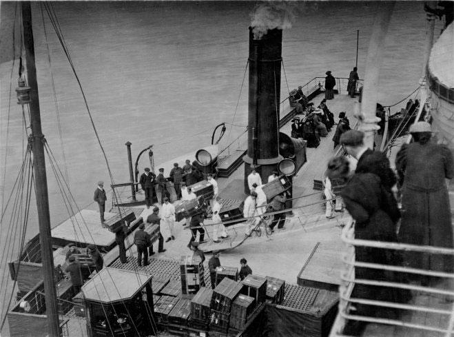 Ảnh chưa từng công bố về cuộc sống trên tàu Titanic 100 năm trước
