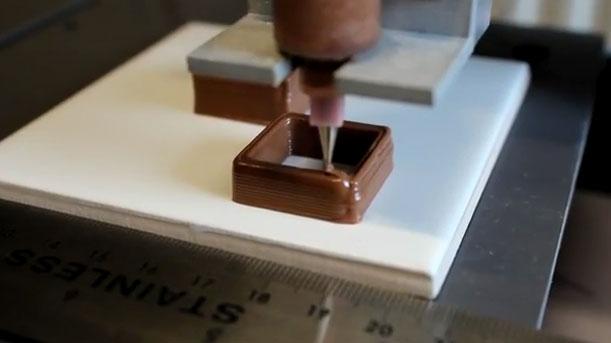 Video: Máy in sô cô la 3D