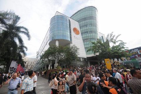 Hình ảnh người dân Indonesia náo loạn vì động đất