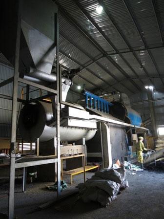 Lò hơi đa năng đốt hỗn hợp nhiên liệu tại nhà máy Con Heo Vàng.