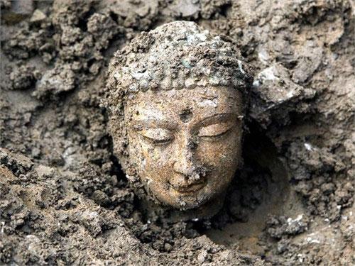 Trung Quốc: Khai quật tượng Phật Bồ Tát 1500 năm tuổi