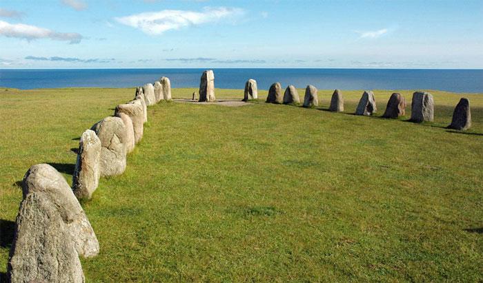 Tranh cãi về bãi đá bí ẩn