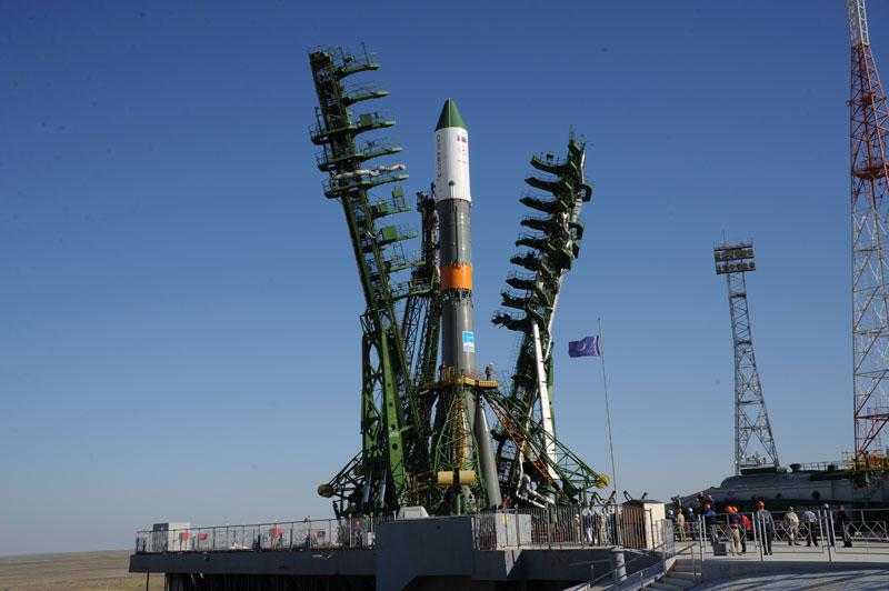 Tàu vũ trụ Progress kết nối với ISS