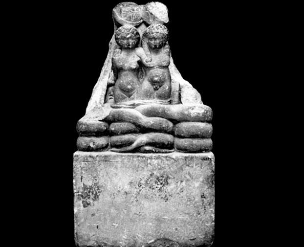 Bức tượng điêu khắc về hai đứa con sinh đôi của Nữ hoàng Cleopatra VII và người tình Mark Antony.
