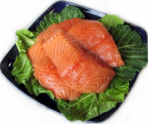 Thịt cá hồi có thể giảm tác hại của thuốc lá