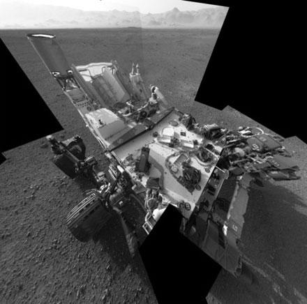Tàu Curiosity hoạt động trên sao Hỏa