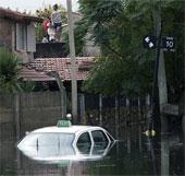 Mưa lớn tiếp tục gây thiệt hại nặng nề tại Argentina