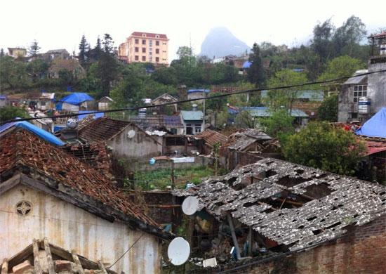 Mưa đá tàn phá hơn 12.000 mái nhà dân ở Lào Cai hôm 27/3.