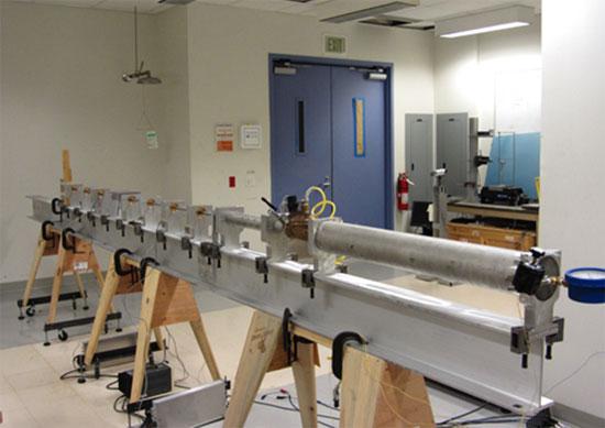 Súng gas sử dụng để thử nghiệm áo giáp từ sợi nano.