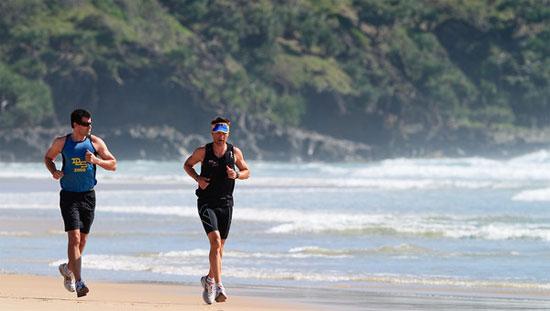Đi bộ nhanh được đánh giá tốt hơn chạy bộ