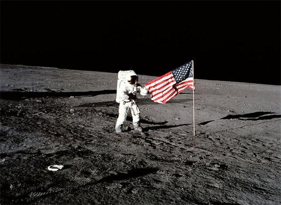 Người Mỹ không muốn trở lại mặt trăng vì họ muốn hướng tới sao Hỏa.