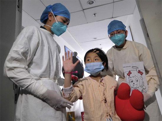 Trường hợp đầu tiên nhiễm H7N9 tại Bắc Kinh đã khỏi bệnh.
