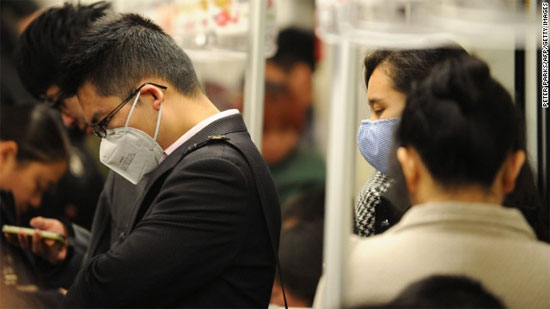 Người dân Trung Quốc đang hết sức lo lắng về nguy cơ lây lan từ người sang người sang người của virus H7N9.